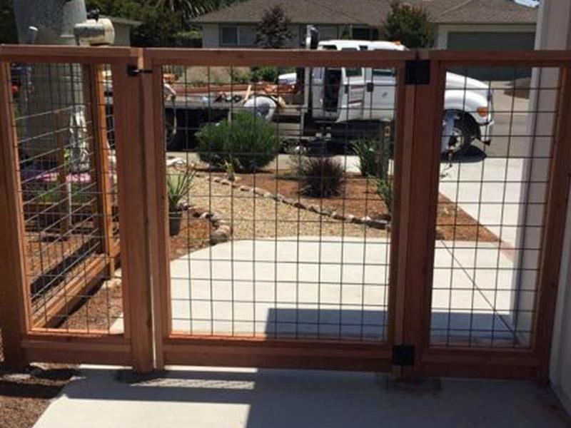 Ubi Fence Redwood 187 Hog Wire Amp Metal Fence